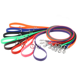 Image of a reflective dog leash. dogIDs makes durable dog leashes out of BioThane coated webbing.
